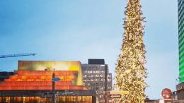 le géant sapin de Noël de Montréal